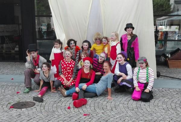 Foto di gruppo con la regista Marinella
